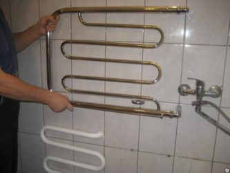 Как установить змеевик в ванной?
